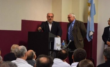 Colombi apuntó contra Scioli y volvió a reclamar la administración de Yacyretá