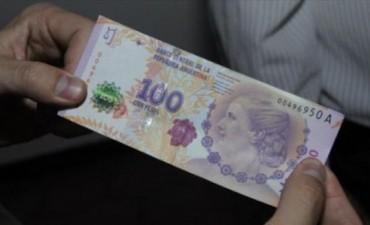 Un hombre compró con billete falso en un local centrico, poco después lo detuvieron