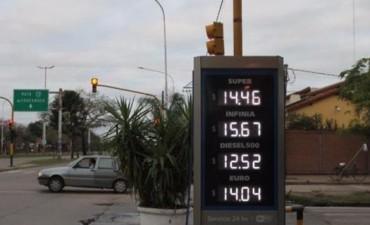 En los últimos 5 años las naftas subieron hasta un 258% en los surtidores locales