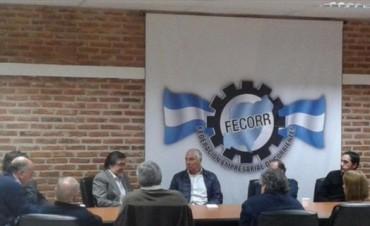 Vaz Torres expuso ante empresarios de Fecorr