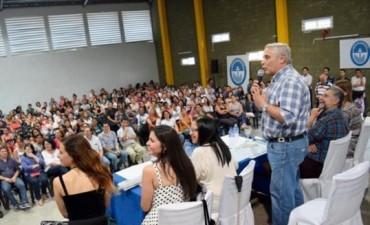 Presentaron Fines para municipales, Ellas Hacen, Argentina Trabaja y jóvenes contenidos por Sedronar