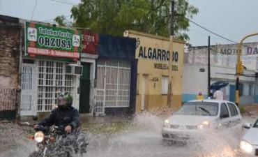"""Por la cercanía del fenómeno """"El Niño"""" apuran la limpieza de canales y desagües"""