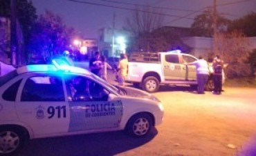 Gran despliegue policial ante prefecturiano atrincherado en la casa