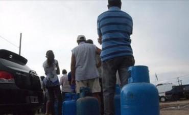 Gas en garrafas: una distribuidora de Capital vende a más de $130