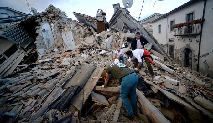 73 muertos por terremoto en Italia