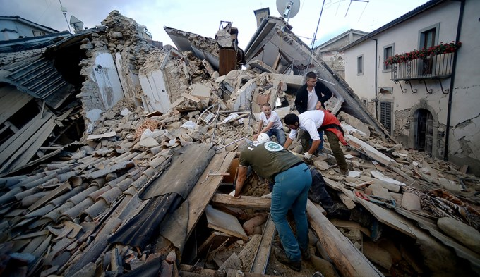 120 muertos por devastador terremoto en Italia