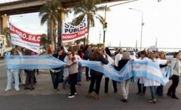 Médicos reanudarán demandas al Gobierno
