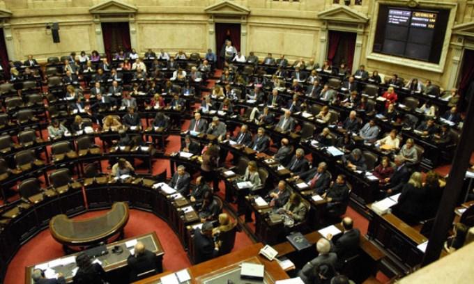 Diputados se juntan para frenar los tarifazos