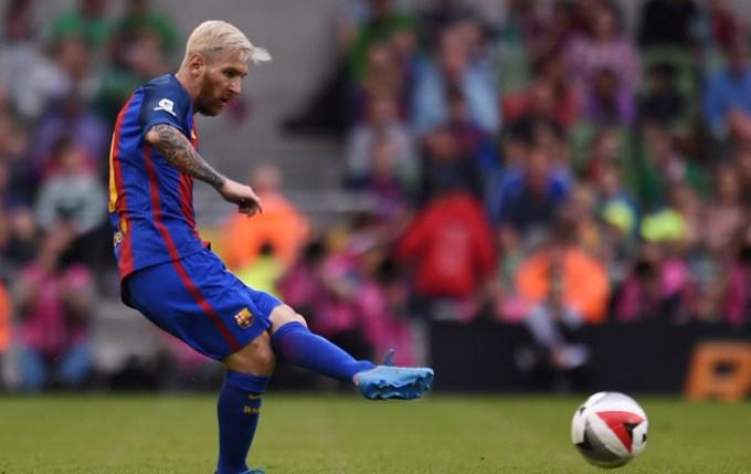 El primer partido de Messi platinado