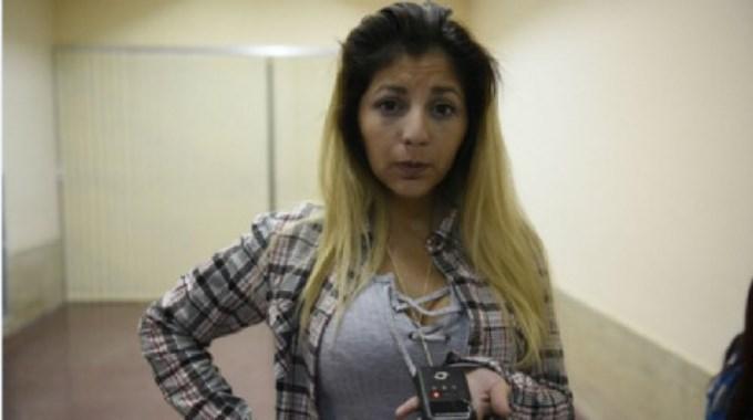La secuestraron, golpearon y la arrojaron a una zanja
