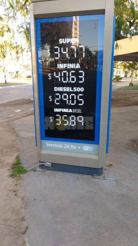 Los combustibles volvieron a aumentar y el litro de la premium superó los $41
