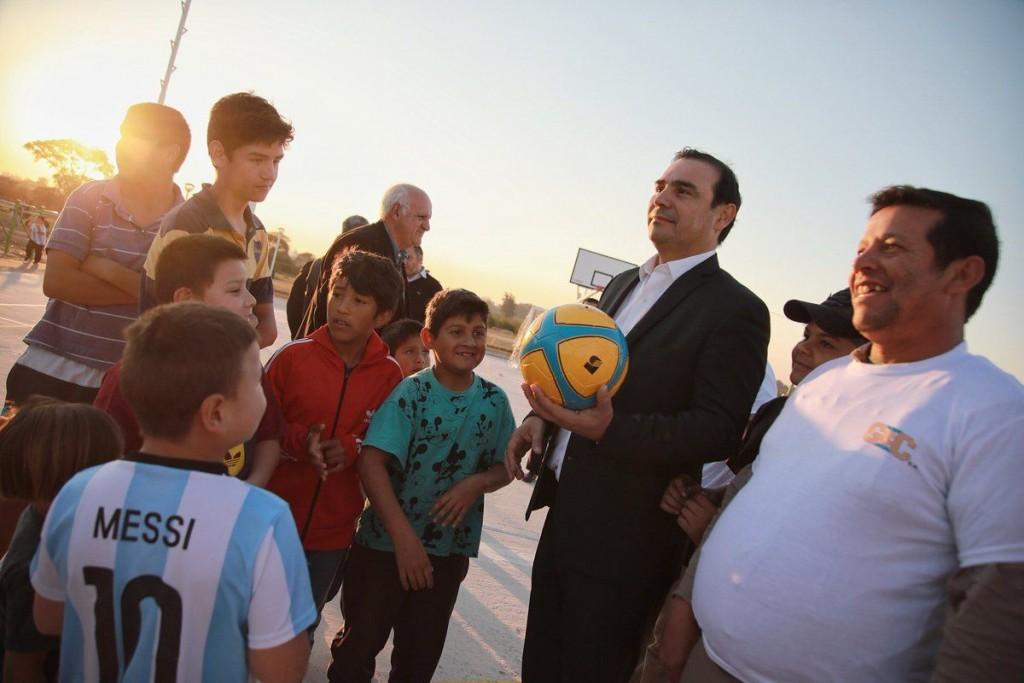 Desde Libres, Valdés reiteró que habrá una nueva recomposición salarial en 2018