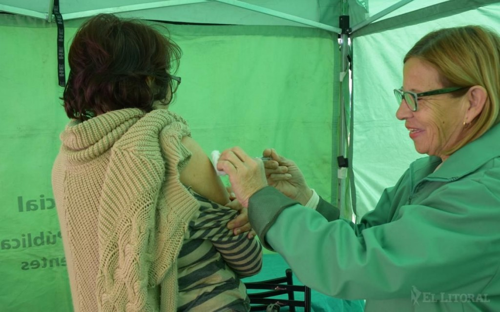 Gripe: Salud se alista para un pico de casos e insisten en la vacunación