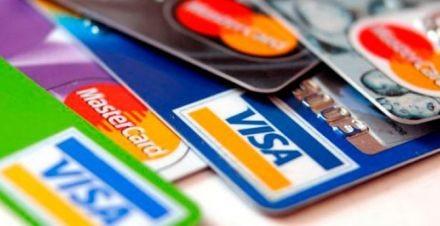 El pago mínimo de tarjetas de crédito ascendería a un 120% de interés