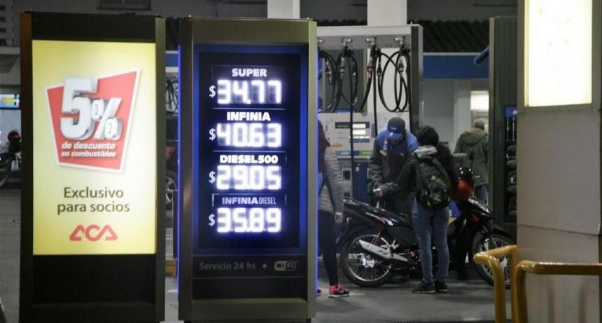 Combustibles: la diferencia de precios entre la nafta súper y la premium ronda los $6