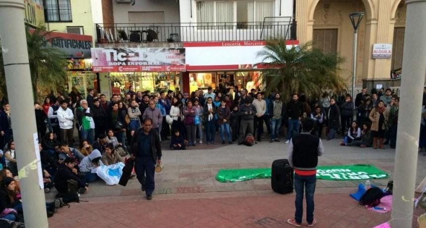 Docentes universitarios harán una marcha regional