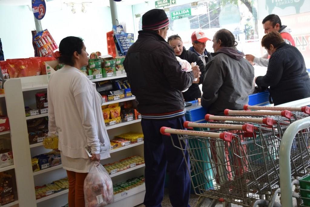 Precios de góndola: el kilo de yerba volvió a subir y cuesta el doble que el año pasado