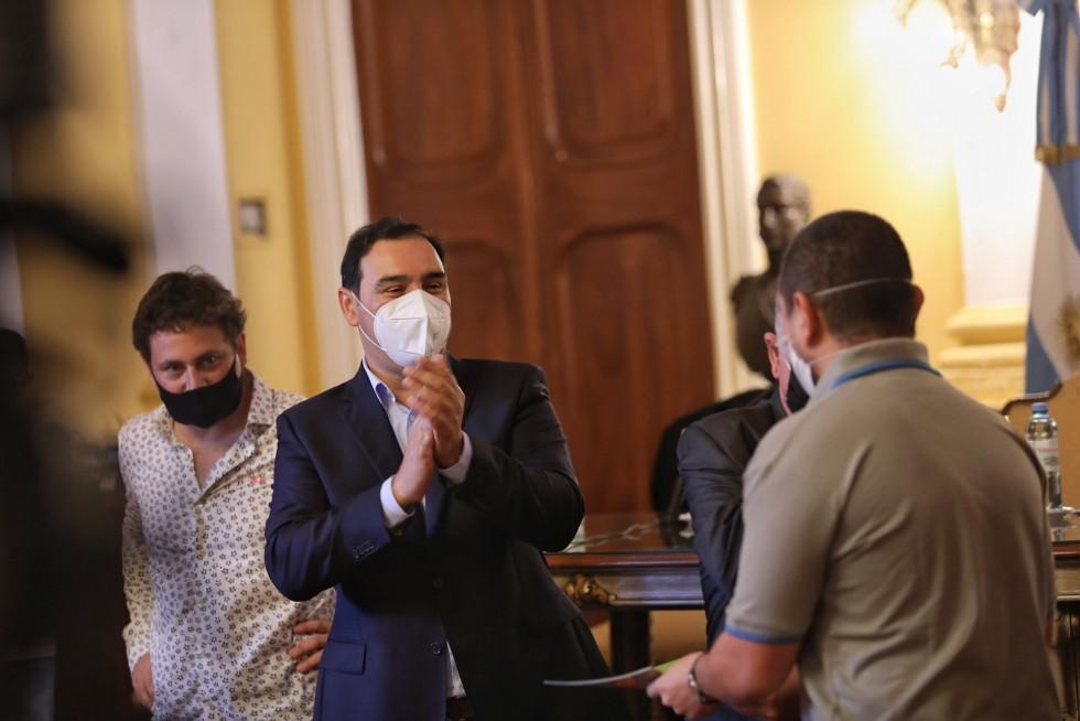 """Gustavo Valdés, por las reuniones sociales: """"No voy a cuestionar el DNU, pero sí voy a apelar a la responsabilidad de los correntinos"""""""