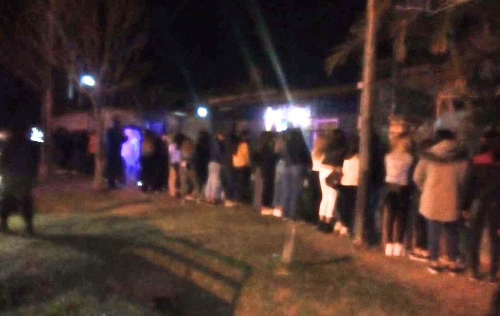 Corrientes: La Policía interrumpió una fiesta ilegal con más de 35 menores