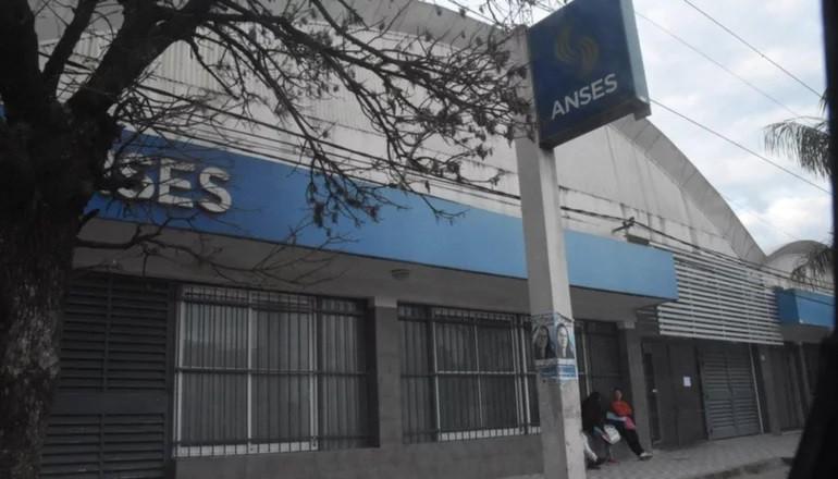 IFE 3, AUH, AUE y jubilaciones: a quiénes paga Anses este martes 18