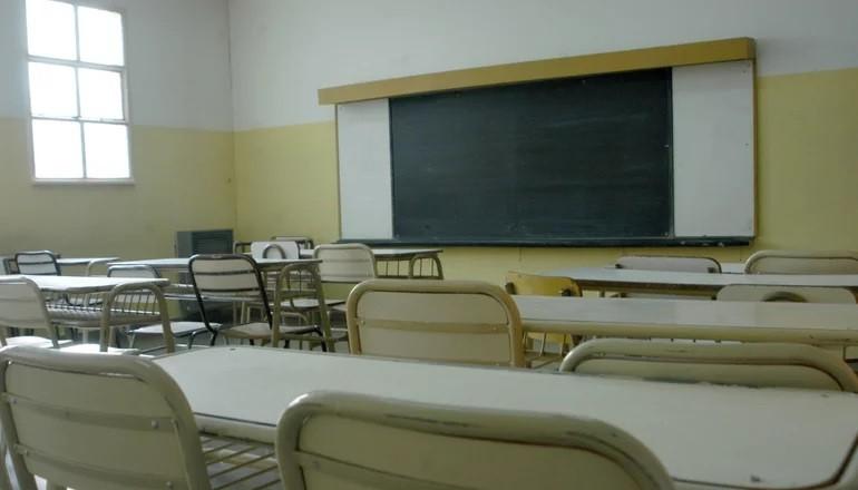 Educación permitirá pasar de año con hasta tres materias previas