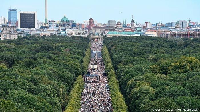 Berlín prohíbe varias manifestaciones anticoronavirus