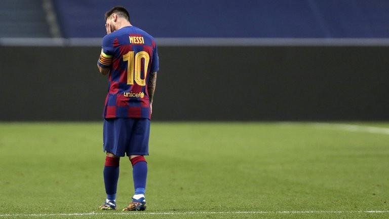 Messi vive sus horas más cruciales: de la idea de no presentarse al entrenamiento, al enojo por una frase