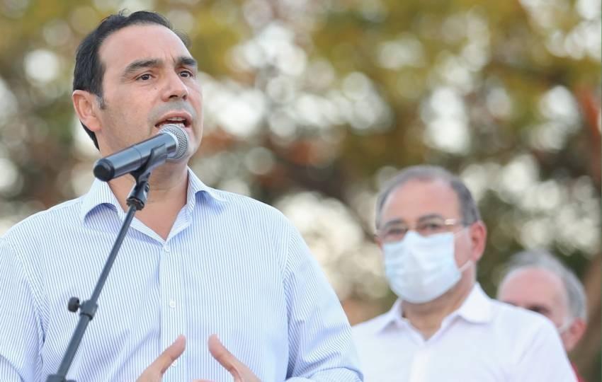 Gustavo Valdés adelantó que Corrientes volvería a Fase 5 en 30 o 40 días