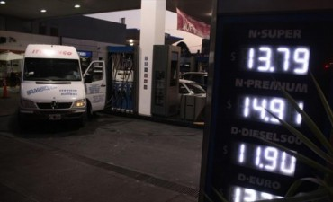 Otro ajuste en combustibles: YPF aplicó un aumento de entre 60 y 65 centavos
