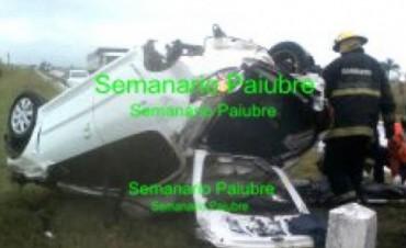 Murió una mujer al volcar un auto en el que viajaba la intendenta de Bonpland