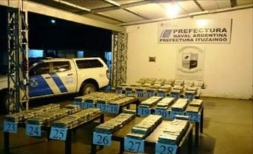 Ituzaingó: secuestran 750 kilos de marihuana y detienen a un narco en una embarcación