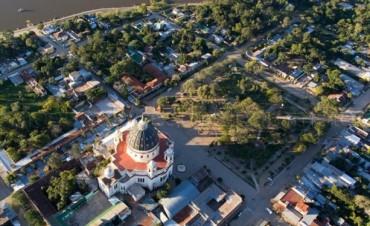 Por varias obras, el intendente de Itatí rubricó un convenio marco con la EBY