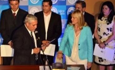 Involucran a funcionaria de Fabián Ríos en presuntas compras irregulares por $ 115.000