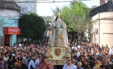 Cientos de familias demostraron el amor a la Virgen de la Merced en la procesión