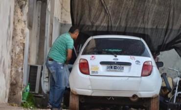 Detuvieron a un agente penitenciario acusado de robar un automóvil