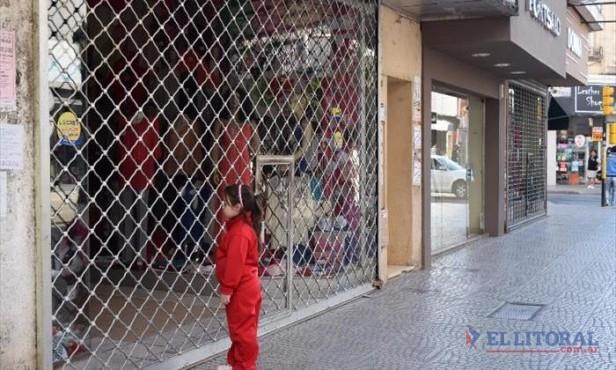 La mayoría de los locales de Junín no abrieron, postal del feriado mercantil