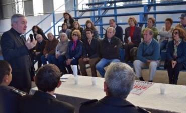Vecinos de distintos barrios se suman a las reuniones para pedir más seguridad