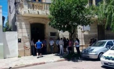 Condenan a ex policía por abusar de su hijastra