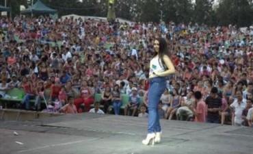Miles de jóvenes recibieron la primavera y el Día del Estudiante con música, baile y concursos