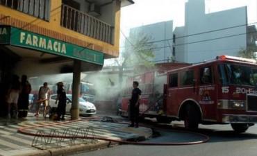 Barrio Cambá Cuá: voraz incendio en una farmacia causó grandes pérdidas