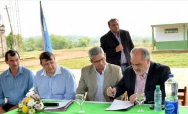 Garruchos: Colombi inauguró el polideportivo municipal y firmó convenio para su ampliación