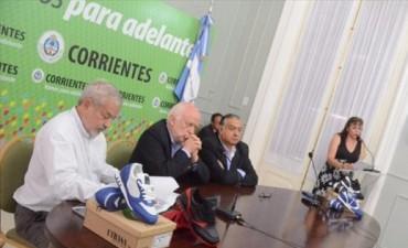 Utrasa presentó en Casa de Gobierno zapatillas de marca propia que apunta a ingresar al mercado local
