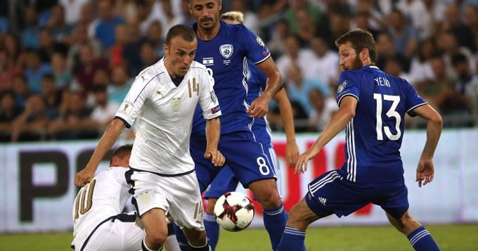 España se floreó en el inicio de las eliminatorias europeas