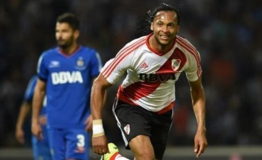 River ganó en su visita a Talleres de Córdoba y es uno de los punteros del torneo