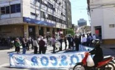 Escepticismo sindical por la idea oficial de blanquear el plus de 900 pesos
