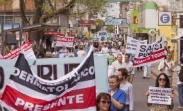 Paro y choripaneada de docentes y los médicos en jornada de protestas