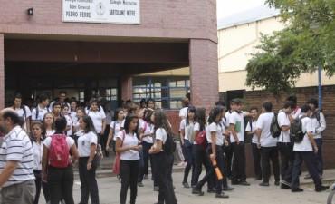 Preocupación de autoridades por venta de drogas en las puertas de las escuelas