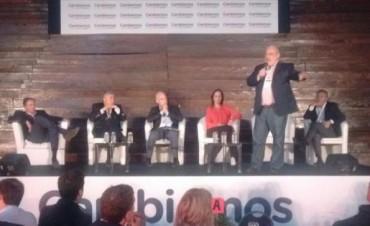 """Arenga de Colombi y gobernadores a 400 intendentes de """"Cambiemos"""""""