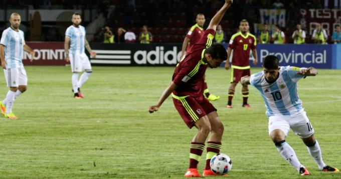Argentina jugó como la Mérida y perdió la punta