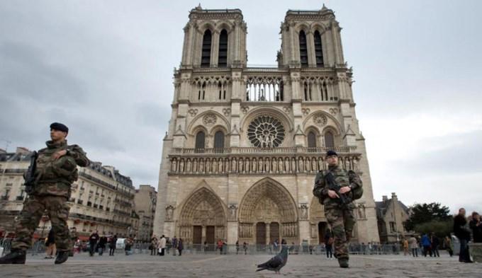 ¡Quisieron hacer volar Notre Dame!
